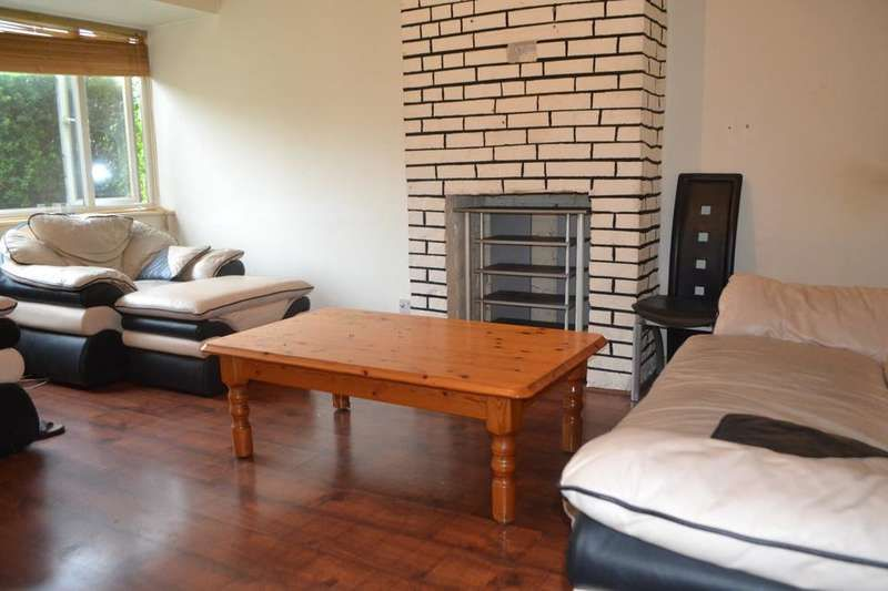 3 bedroom detached house to rent, Grenada Road, London, SE7 7BX