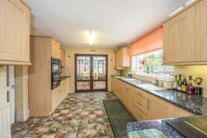 3 bedroom bungalow for sale, The Castle, Henley Drive