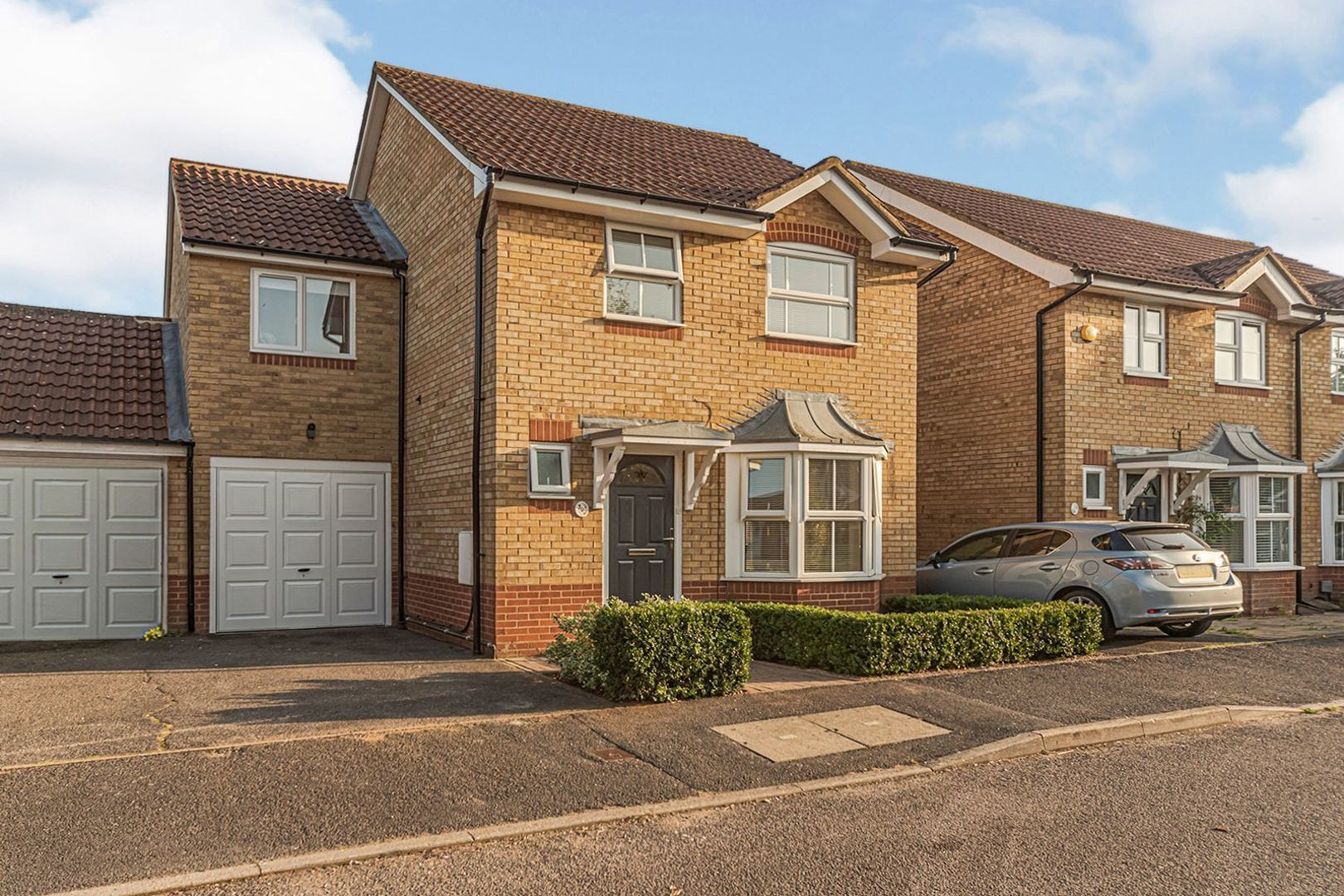 4 bedroom link detached house for sale, Wetherby Close ...