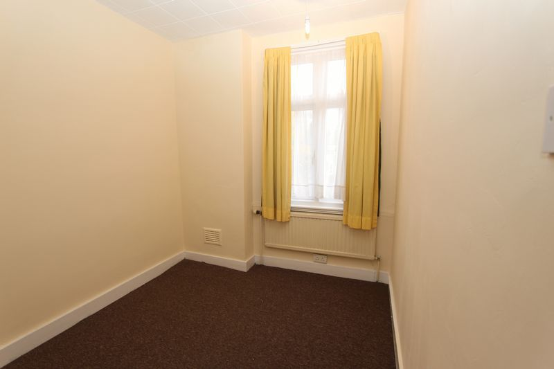 3 bedroom house to rent, Colombo Road, Ilford IG, IG1 4SQ