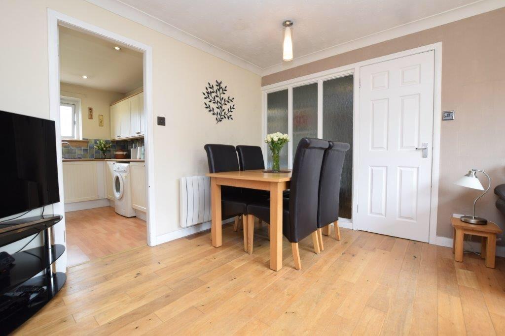 2 Bedroom Apartment For Sale Dumbarton Road Glasgow G14 9se