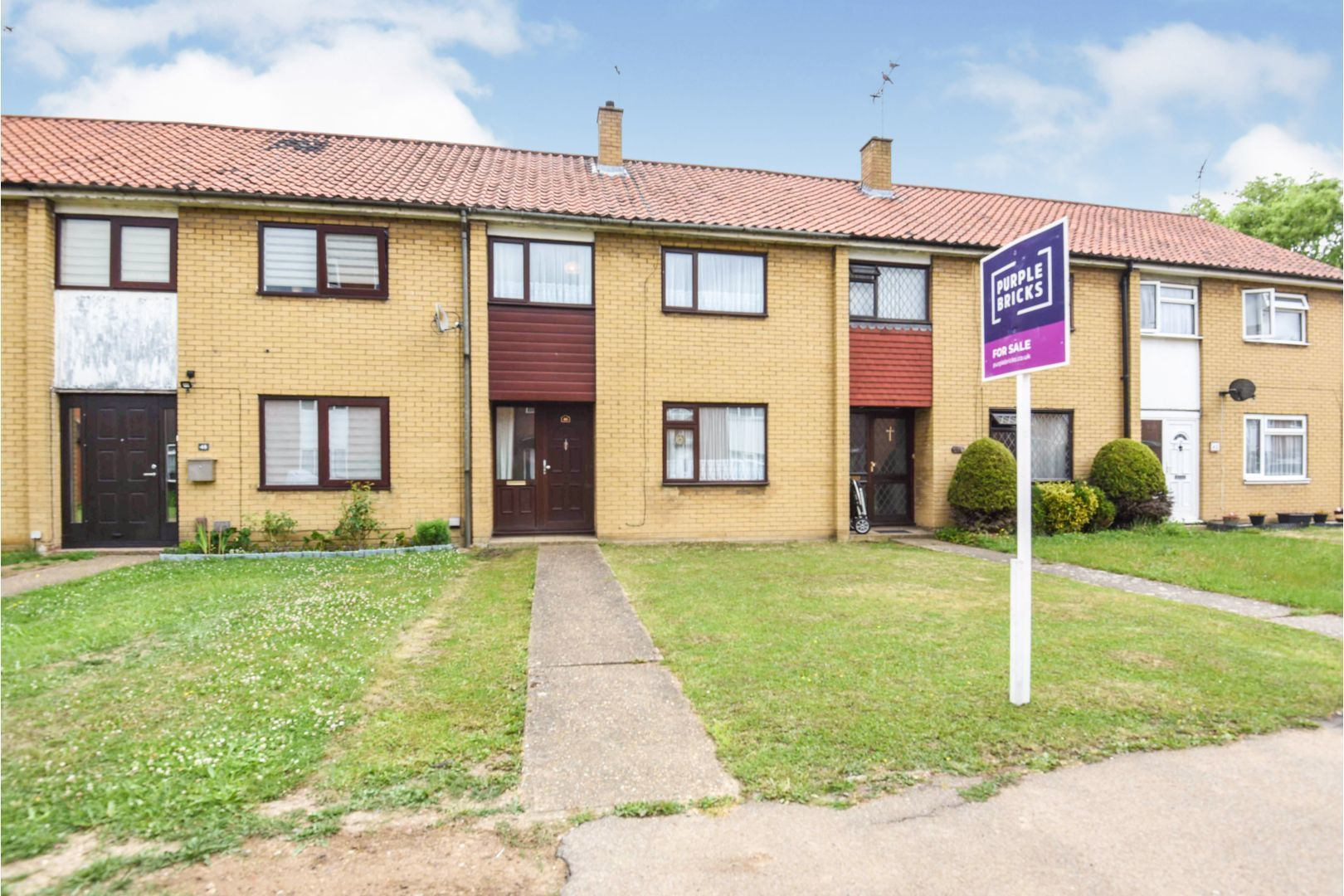 3 Bedroom Terraced House For Sale Long Lynderswood Basildon Ss Ss15 5ay Thehouseshop Com