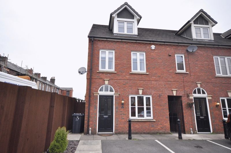 3 Bedroom Detached House For Sale Atlas Fold Bury Bl8 1pd