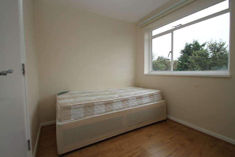 5 Bedroom Flat To Rent Gloucester Road Kingston Upon Thames Surrey Kt1 3rg