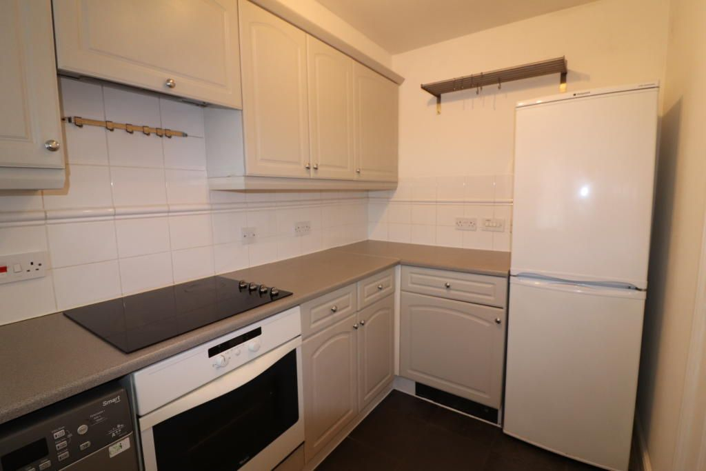 2 bedroom homes 2 bedroom house to rent crompton street chelmsford cm1 3gp thehouseshop com 6990