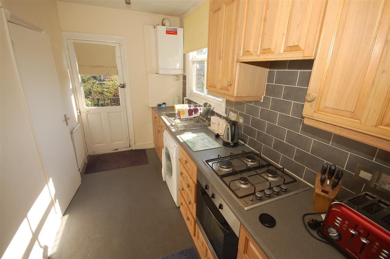 2 bedroom apartment to rent, Wellesley Road, Gunnersbury ...